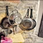 Прибори за хранене в механата на къща Гиргина